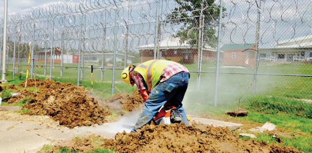 Miller Pipeline Uses Rock Trenchers to Install Gas Lines to an Indiana Correctional Facility