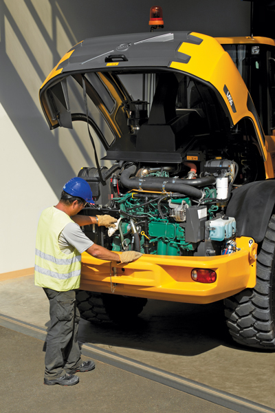 One of the most telling indications of a qualified operator becomes apparent before he or she even enters the cab. A qualified applicant will be checking everything from tire inflation pressures, chips in the bucket and hose leaks, to fluid and fuel levels.